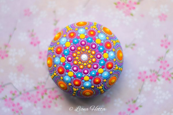 Liona Hotta Mandala Stone