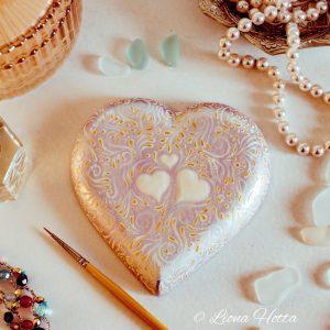 heart stone Liona Hotta
